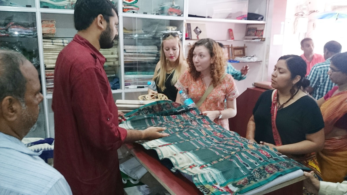 california students visit odisha khadi shop