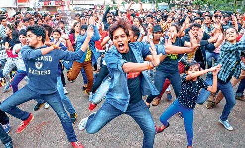 Flashmob to teach dance as a way to fitness at Keshari Talkies
