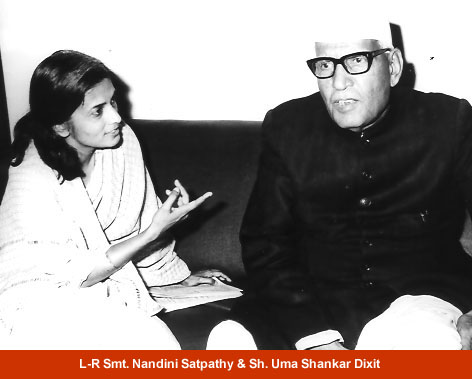 L-R Smt. Nandini Satpathy & Sh. Uma Shankar Dixit