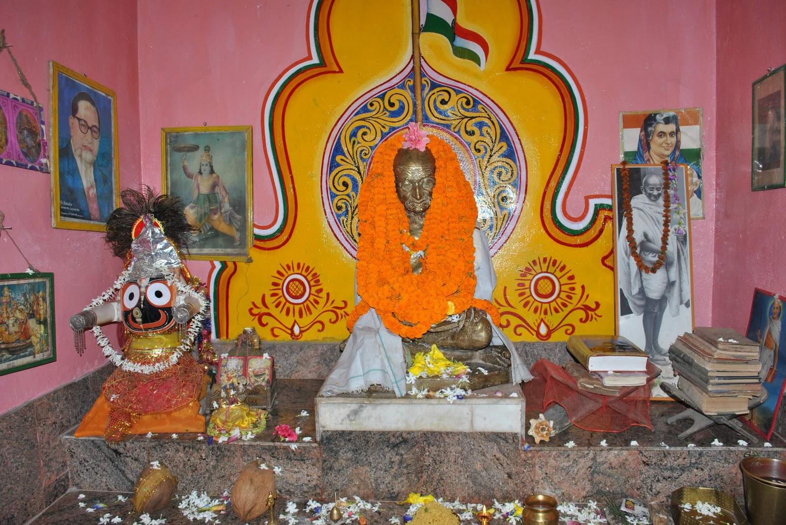 Mahatma gandhi idol sambalpur bbsrbuzz 2