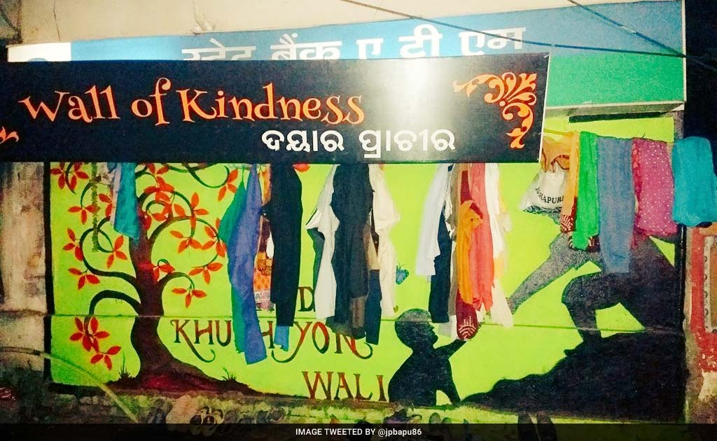 Wall of kindness initiative in bhubaneswar buzz 3