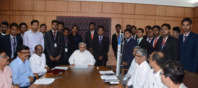 CM Naveen Pattnaik felicitates students of VSSUT Burla for winning Asia's first Inter college Rocket Competition