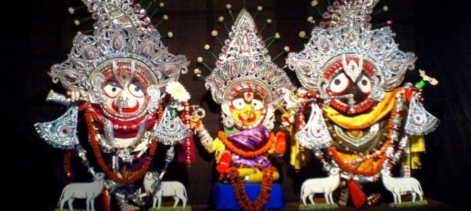Know more about Puri Jagannath temple rituals : Krushna Balarama Besha of Mahaprabhu by Prachites