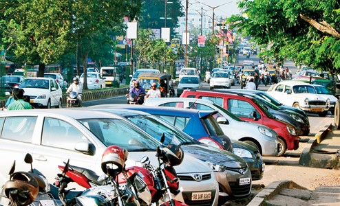 Janpath in bhubaneswar to be divided into 2 parking zones from existing 11