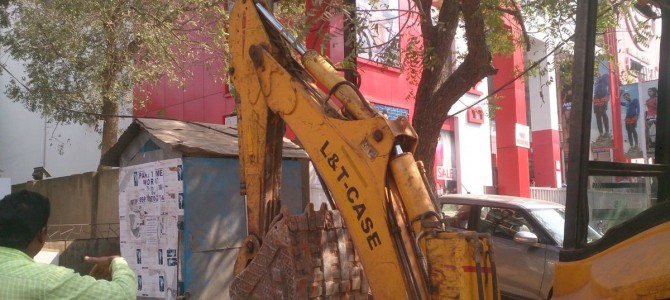 Joint squad of BDA and BMC conducted eviction drive at various places in bhubaneswar