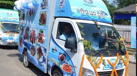 Odisha Govt starts initiative of selling fish with launch of Fish on Wheels
